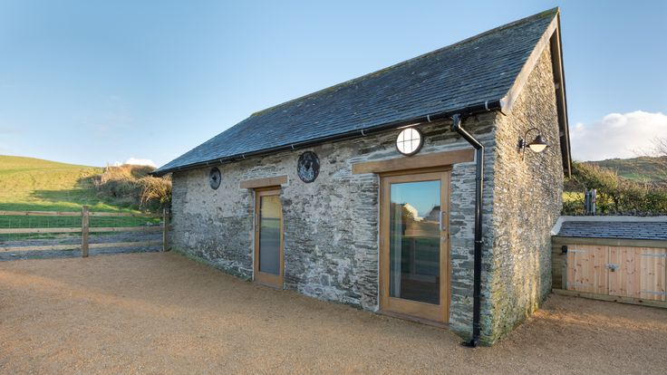 In the tiny village of Morthoe, this cosy cottage has Woolacombe bay just round the corner.