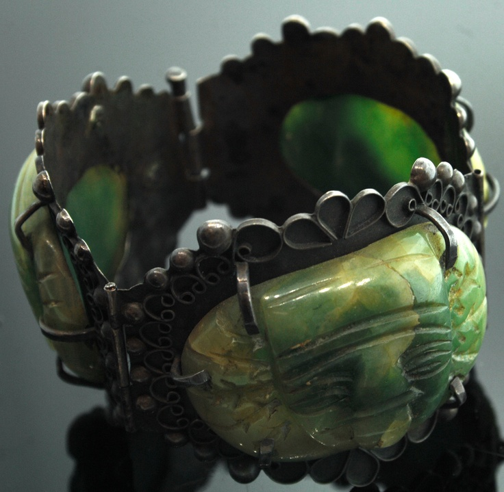 Mexican / Old Sterling Silver Bracelet with 3 carved Green Onyx Faces