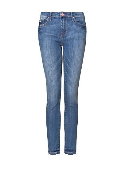 die besten 25 kurze jeans ideen auf pinterest diy used jeans jeans ndern und gobelin. Black Bedroom Furniture Sets. Home Design Ideas