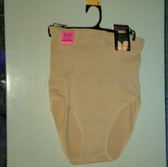 Shaping slim nude neutral shorts waist slimmer Size medium, can fit small, high waist Other