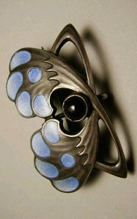 """Heinrich Levinger Jugendstil Depose Silver Enamel Brooch Pin.  The brooch was made by the firm of Heinrich Levinger in Pforzheim, Germany, in around 1902. Although not signed, an example of the same design by that firm can be found on page 219 of """"Art Nouveau Jewellery from Pforzheim"""" by Fritz Falk."""