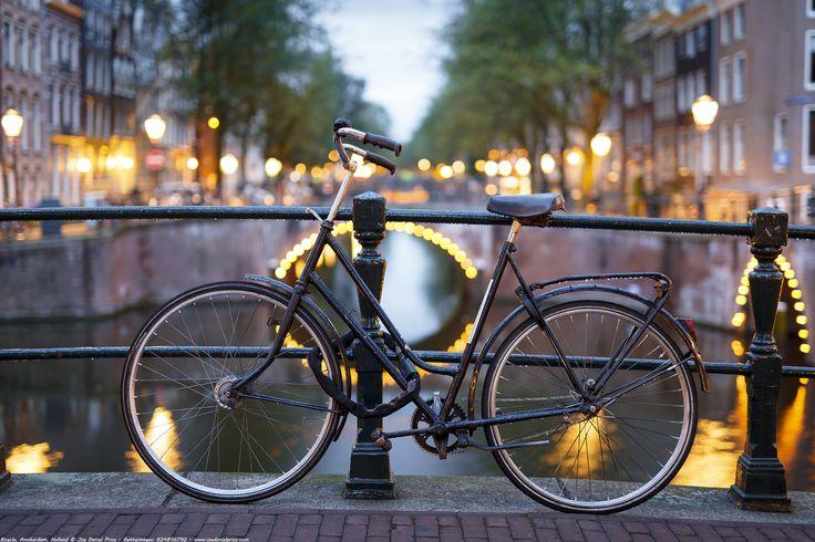 https://flic.kr/p/DAudnN | Bokeh Bicycle, Leidsegracht, Amsterdam, Holland