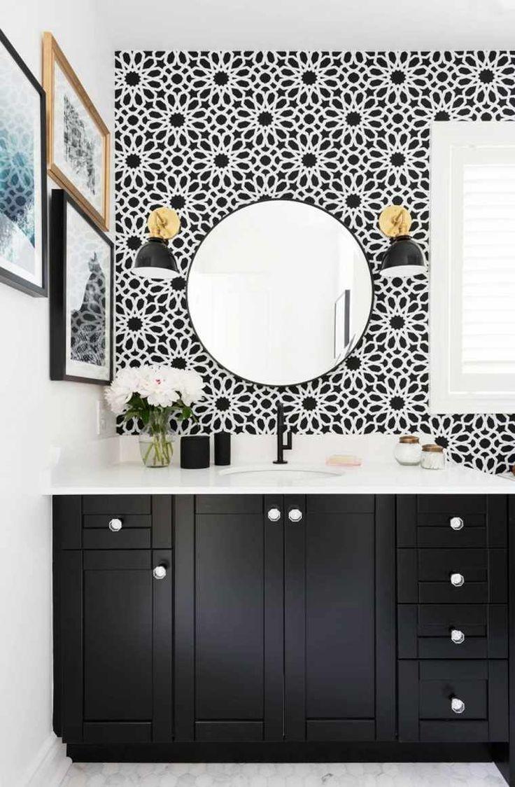 Schwarzes Badezimmerschrank, ein Speicher voller Charakter