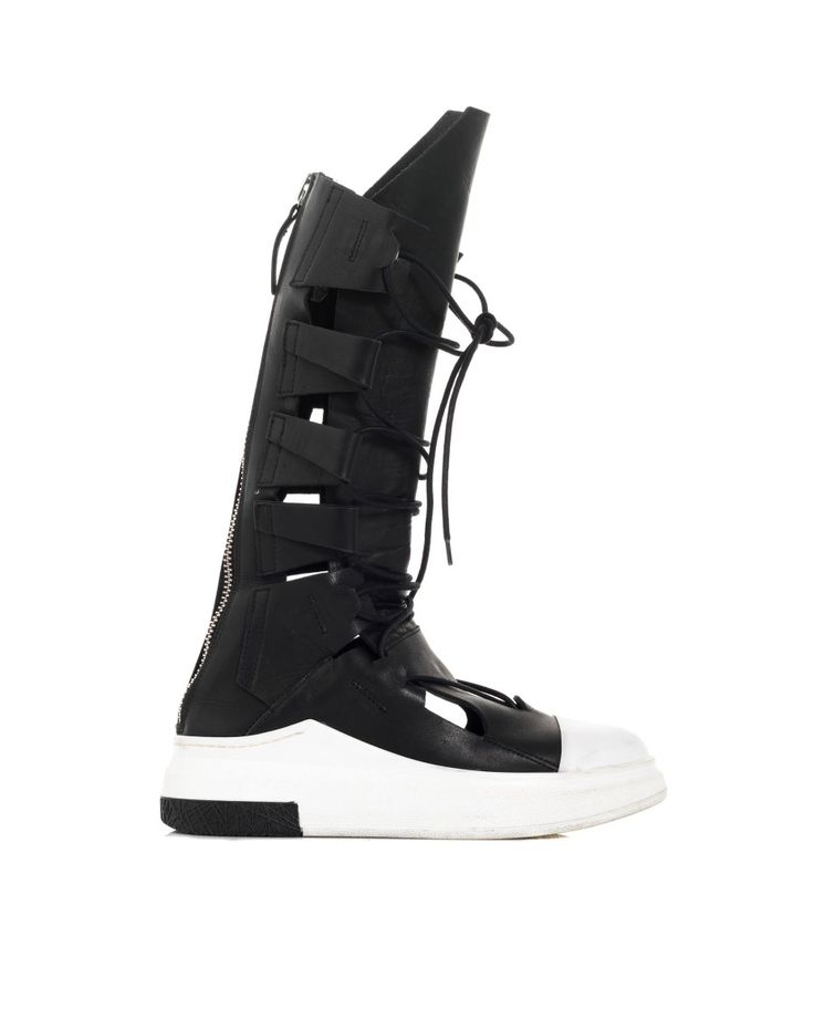 CINZIA ARAIA HIGH LEATHER SNEAKERS S/S 2016 Black leather sneakers high leg with openings lace-up back zipper closure white rubber sole: 4,5 cm