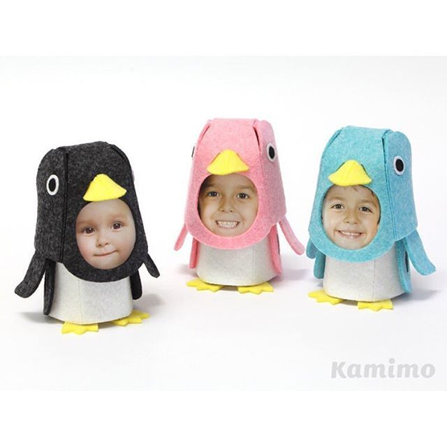 ペンギンの着ぐるみのカタチをした組み立て式のフォトフレーム  ご出産祝いやお誕生日祝いに おじいちゃん、おばあちゃんへのプレゼントに お父さん、お母さんのオフィス机に  子どもたちの笑顔をはめ込んだキグルミ〜たちが、 見る人たちもきっと笑顔にしてくれます。  #k452 #藤が丘 #ペンギン #penguin #クラフト #craft