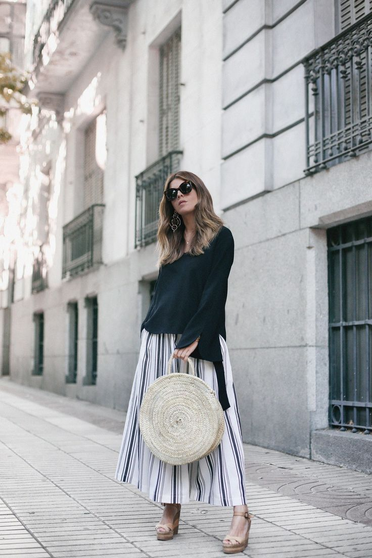 Striped Skirt | Mi armario en ruinas. Black bell sleeves top+white, rey and black striped midi skirt+camel wedges+wicker round handbag+sunglasses. Spring Casual Outfit 2017