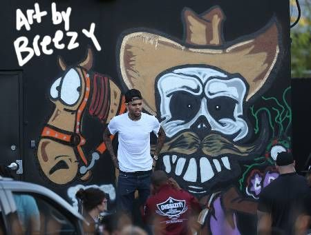 Check out the graffiti Chris Brown drew on a Miami building HERE!