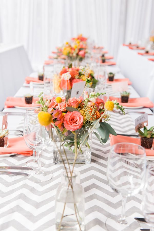 modern wedding reception - photo by Artistrie Co http://ruffledblog.com/coral-wedding-with-a-flower-ceremony-backdrop