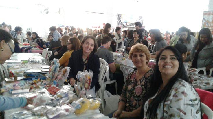 Vera , Priscila e Danny Cunha artesãs.