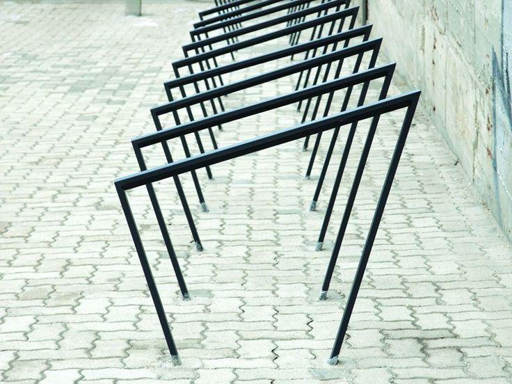 Fahrradständer aus Stahl EDGETYRE by mmcité 1 | Design David Karasek, Radek Hegmon