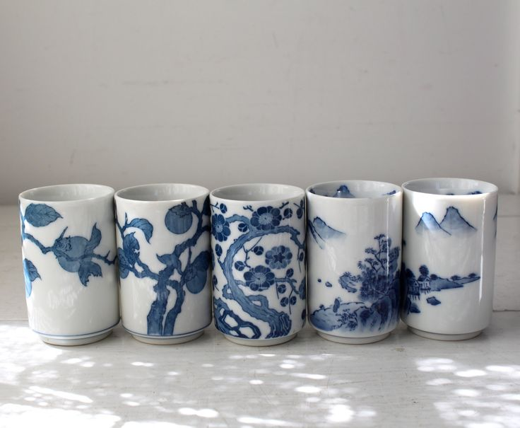 vintage Japanese tea cups. Set of 5. Blue and white.
