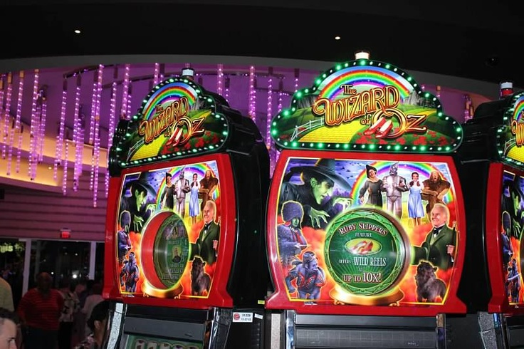 """The #Wizards of OZ! """"There's no place like home!"""" #Game slot!  Maryland Live! #Casino Opening A Huge Success http://edwardsandhill.com/blog/office-furniture/maryland-live-casino-opening-a-huge-success/"""