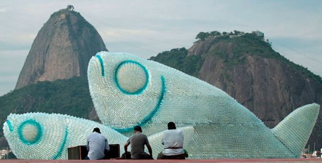 The Big Fishes – Plastic Bottles Installation | Rio de Janeiro