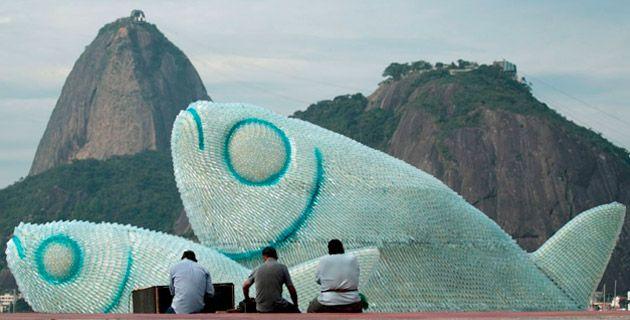 The Big Fishes – Plastic Bottles Installation | Rio de Janeiro