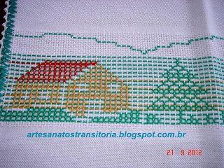 ARTESANATOS  TRANSITÓRIA: casas, pinheiros e sinos de natal bordados no pont...