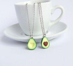 Avocado-Freundschaftsketten – tolles Geschenk für die beste Freundin. Zu finden auf Etsy.