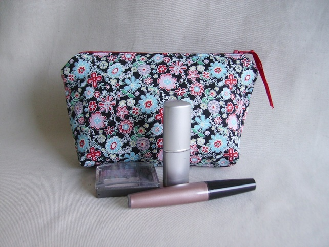 Make up bag in a gorgeous fabric