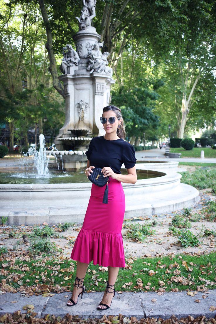 Sempre que penso na Silvia Zamora, looks com jeans vêm em mente. Na maioria das vezes, ela opta por produções básicas, mas não perde o estilo quando o evento exige um dress code mais formal.