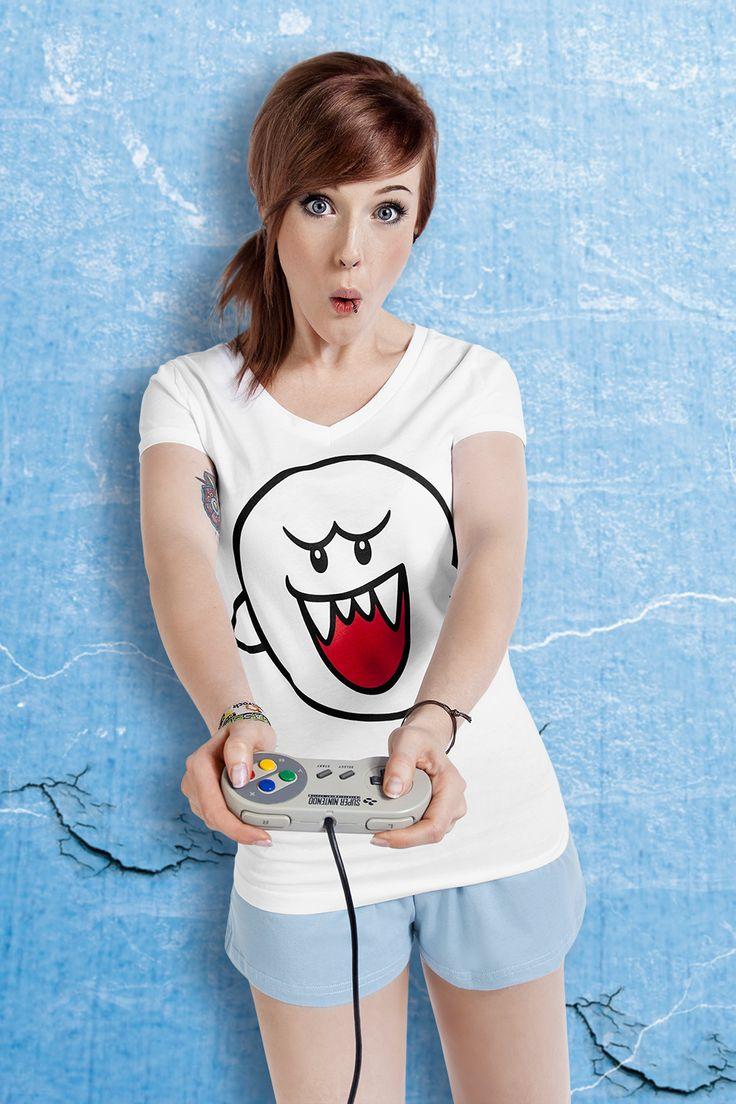 """Der Geist #Boo aus den #Mario und #Yoshi Spielen ist wohl jedem #Gamer ein Begriff. Einmal nicht aufgepasst und schon steht Boo hinter dir. Der zweiteilige """"Boo"""" Pyjama ist für jeden #Nintendo-Fan ein Muss! Auf dem weißen T-Shirt ist vorne der Geist Boo aufgedruckt. Hinten auf der hellblauen Hose steht """"Boo!"""" #schlafanzug #pyjama #gamefashion #empstyle"""