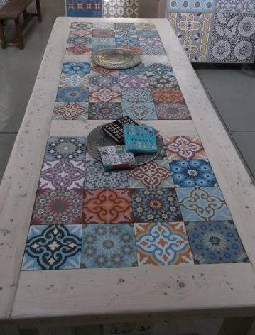 Wij gaan dit niet gebruiken denk ik, maar wél heel leuk!!! http://www.azule.nl marokkaanse en portugese tegels voor de keuken <3