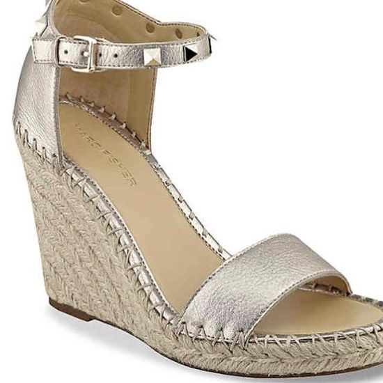 These Valentino wedges are aaaaamazing! And $795. Swipe left for my favorite wedges that are under $100! #dsw #dswshoes #marcfisher #lookforless #igfashion #wedges #sandals #summer
