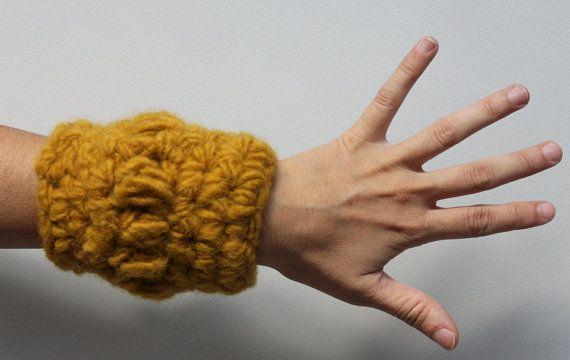 Bracciale all'uncinetto bracciale in lana scalda di NICOUTURE