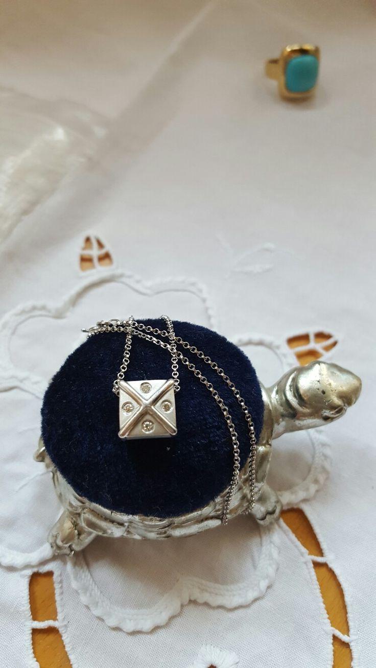 колье белое золото, бриллианты