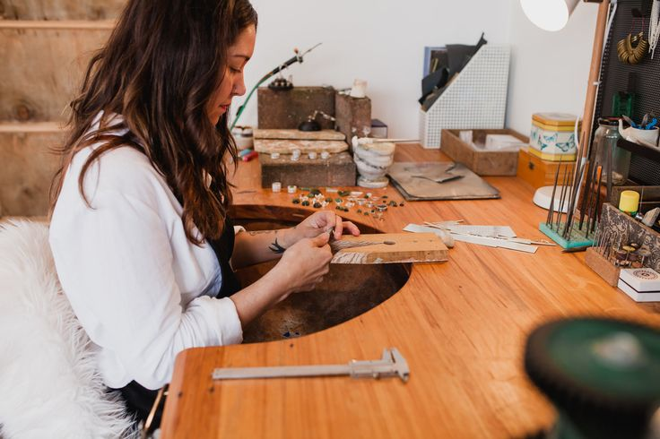 Courtney Marama, Jeweller. Marama Jewellery studio New Zealand