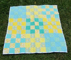 thREDhead: Beautifully pastel baby quilt! St Louis 16 patch
