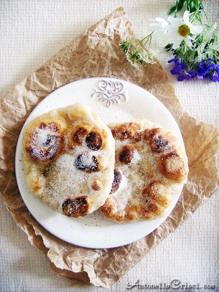 The scent of Frittelle di pane - MEMORIES AND RECIPES OF AN ITALIAN WOMAN IN SWEDEN