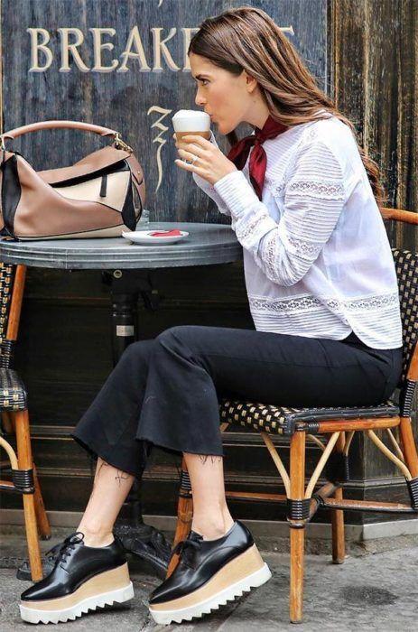 24 Looks con zapatos flatforms para chicas que aman romper con lo tradicional
