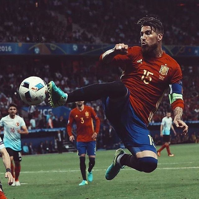 2016-06-17 22:32:07En octavos. Portería a 0. 134 partidos con la Roja. ORGULLO/ In the round of 16. Clean sheet. 134 games. #VamosEspaña