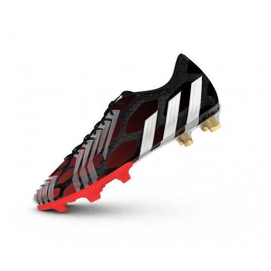 De @adidas Predator Instinct FG M17643 #voetbalschoenen zijn licht door het Hybridtouch bovenwerk. Samen met de 3D rubberen details zorgt dit voor het beste balgevoel. #dws
