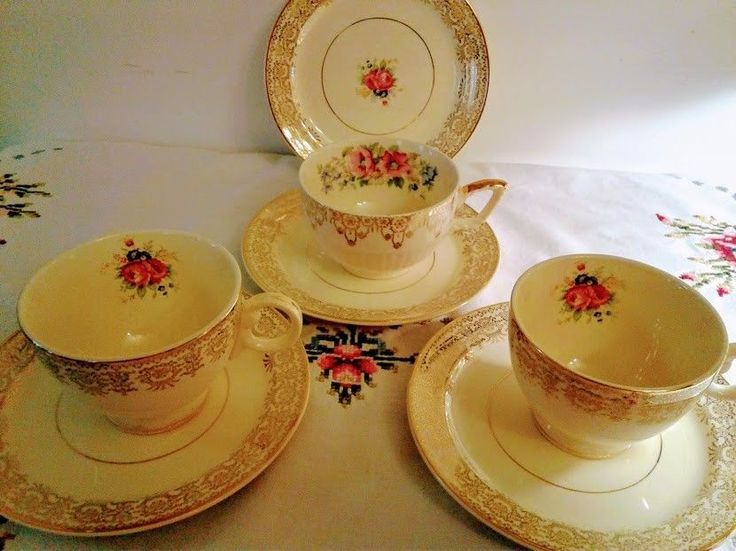 Vintage Taylor Smith Taylor U.S.A 6403 TeaCup & Saucer, Floral Gold. #TaylorSmith