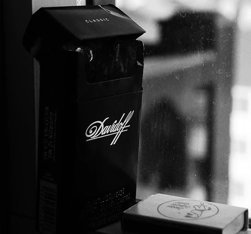 Where can you buy Dunhill cigarettes in Wyoming
