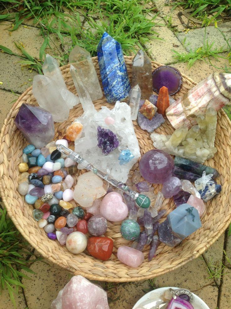 Enhancing n reinforcing Reiki healing with Crystals. सु
