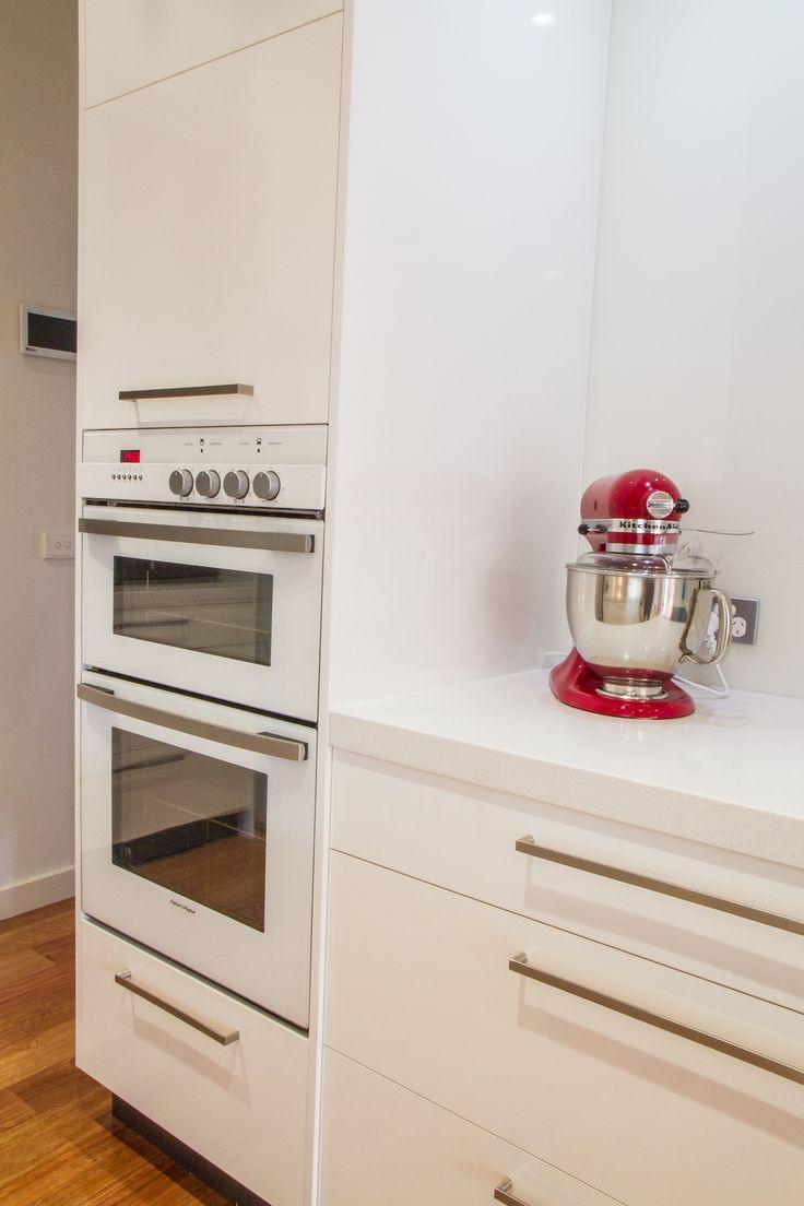 White oven and microwave. White modern kitchen. www.thekitchendesigncentre.com.au