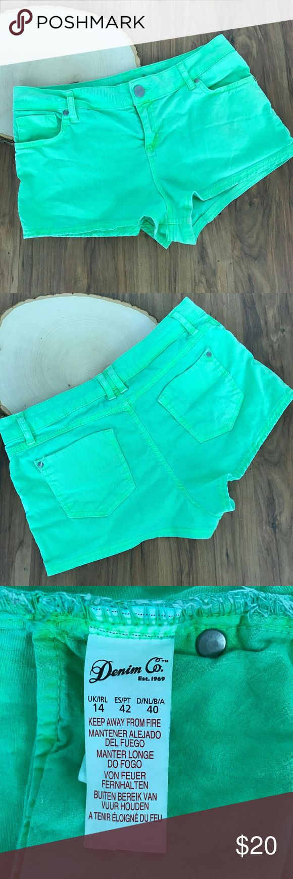 Neon Green Mini Shorts Denim Co Company Color         : Neon Green Style          : Shorts Size           : women's 12/UK14 Brand        : Denim Co Materials  : 98% Cotton 2% Elastane Inventory  : A76 B2 Denim Co Shorts