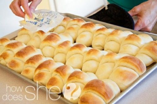 Delicious Dinner Rolls    http://www.howdoesshe.com/delicious-dinner-rolls/