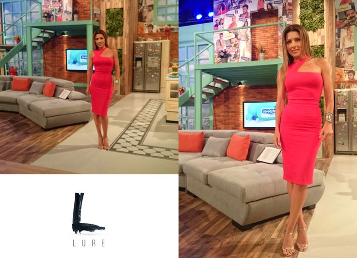 Keep it Simple and yet Sophisticated. #CarmenBruma #reddress #lurestore