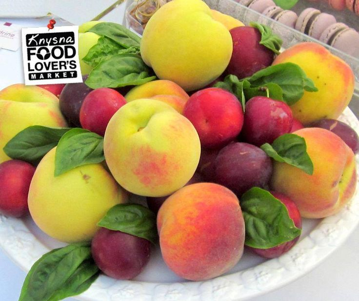 Tasty stone fruit, so-called because of the stone-like seed inside, make perfect snacks, as they are easily tucked into lunch bags or picnic baskets. Here's what they can do for your health, click here: http://apost.link/2Xj. #Stonefruit #FLMKnysna #Foodloversmarket