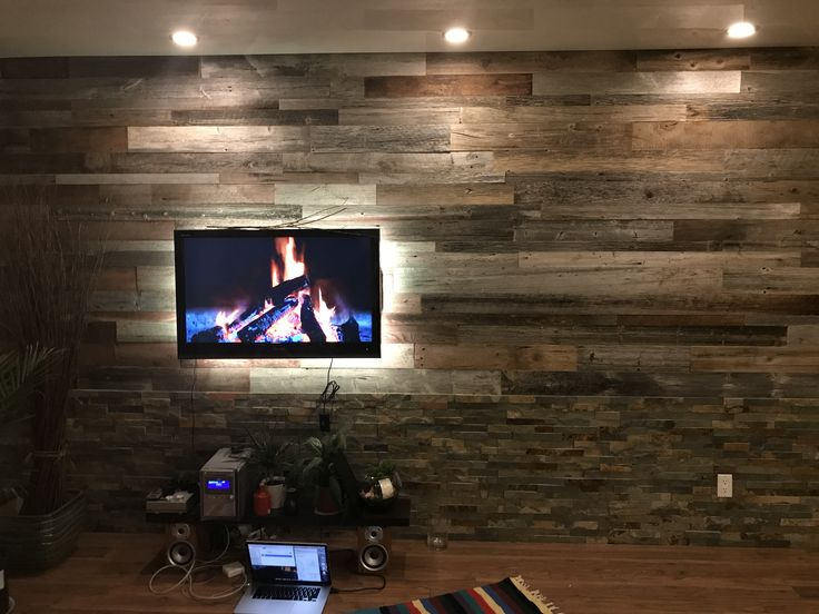 DIY barnwood wall project, TV LED backlighting, complete with virtual fireplace ;)