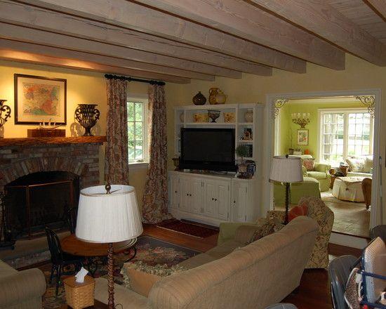 Comfortable Fresh Air House Applying Elegant Interior and Exterior : Cozy Living Room Design With Cream Sofa Riverside Colonial