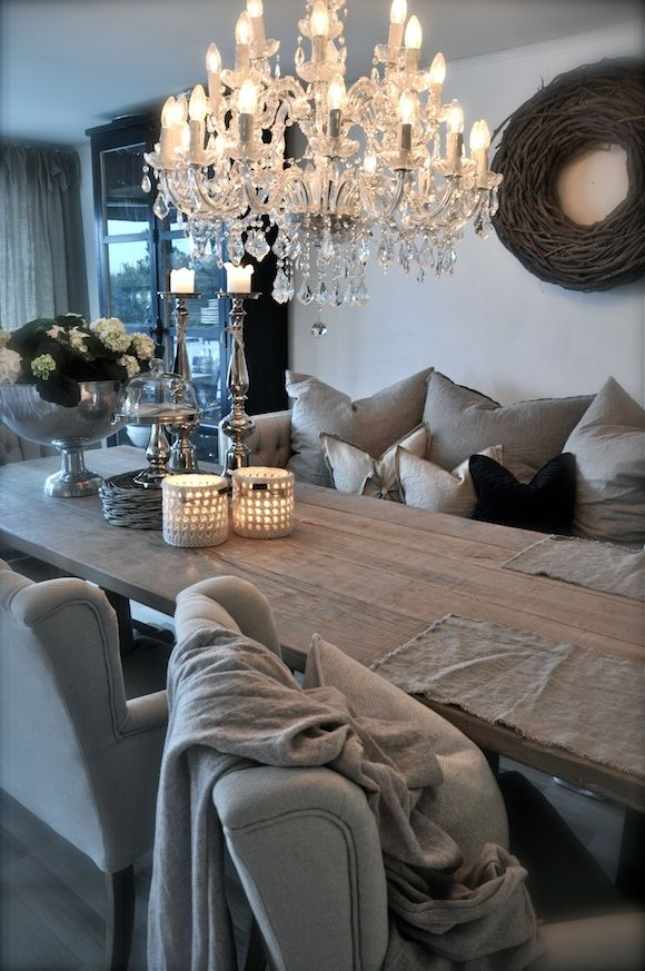 Love everything about this cozy dining room.