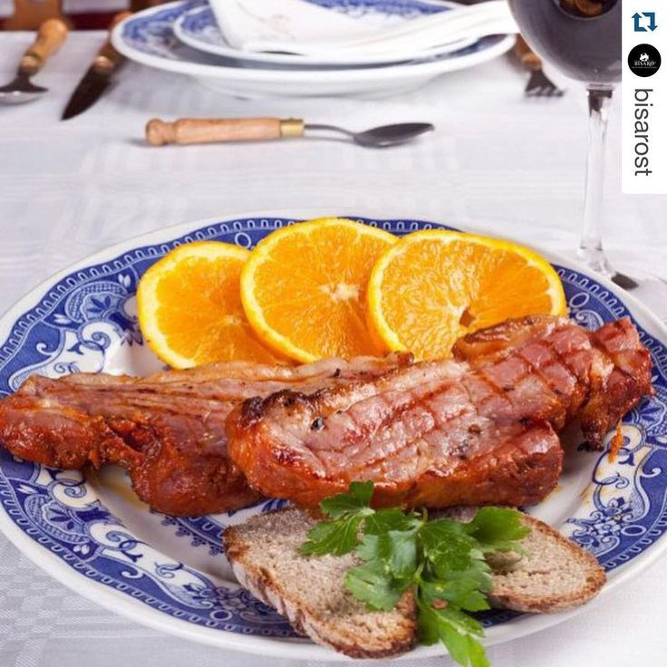 Time for #lunch #lombo de #porcobísaro #maturado com 6 dias #instafood #instagood #bísaro #gourmetlovers #gimonde #visitportugal #nofilter #picoftheday #food #produtosportugueses #domroberto #montesinho #amontesinho