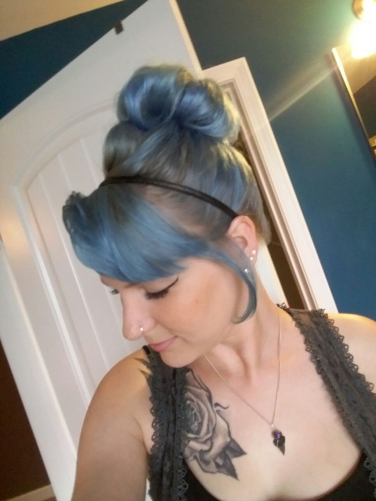 Ion Shark Blue with Wella cooling violet roots on platinum hair