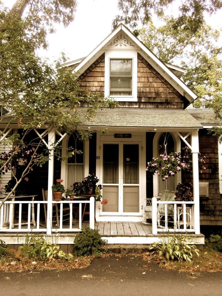 Little old shingled house with porch and double screened door smallprettyhouses