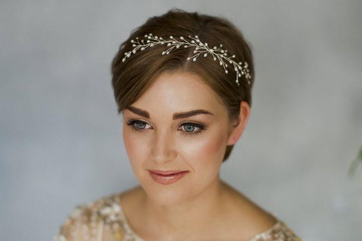 Perle Hochzeit Haar Rebe Stirnband für kurze Haare Braut Inspiration   – MernErn Commitment Party