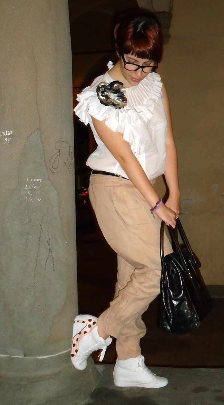 A Pierrot look with my Adriana Wedge by Olo Fashion.