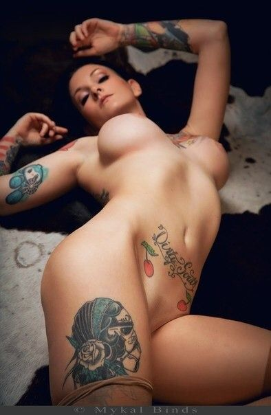naked girls with tatts